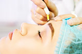 Master making permanent eyebrow make up