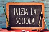 text inizia la scuola, back to school in italian