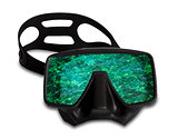 Diving mask with reflection of sea wave
