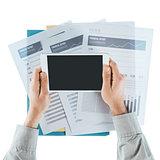 Financial advisor using a digital tablet
