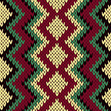 Knitting seamless geometric pattern in muted colors