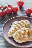 Grilled chicken with fresh cherry tomatoes