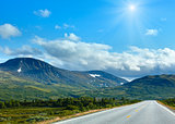 Norwegian sunshiny summer road (near Dombas, Norge)