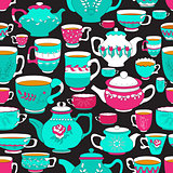 Seamless pattern of the doodle various teapot and cup.