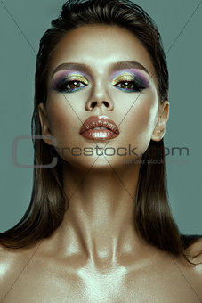 Beautyful girl with bright make up