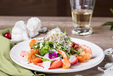 Gourmet salad with prawns
