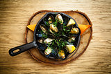 Steamed mussels with dressing