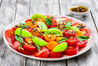 tomato salad with olive oil and herbs dip