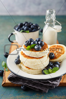 Cottage cheese pancakes with blueberries