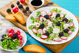 radish, blackberry, goat cheese and parsley low-calorie salad