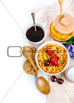 Breakfast with cornflakes and berries