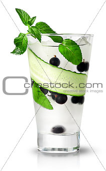 Cucumber currant and mint lemonade