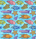 pattern with fish esand shells.