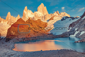 Amazing sunrise view of Fitz Roy mountain.