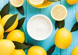 Lemon taste breakfast yoghurt with raw lemons