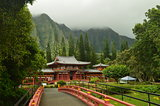 Entrance Bridge Buddhist Temple Byodo-In. Oahu, Hawaii, USA, EEUU.