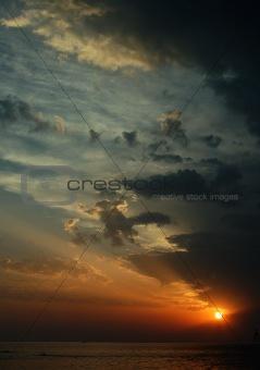 beautiful_sunset_dramatic_sky