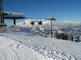 Gondola lift station
