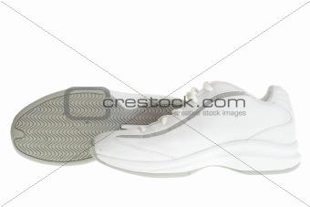 Basketball shoe pair