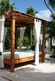 Sun Shelter Resort Bed