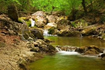 Triple cascade