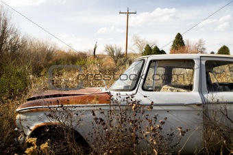 abandoned car in wyoming