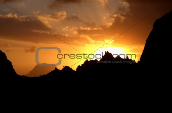 Crown-like sunset