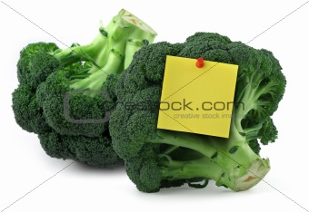 broccoli with blank yellow note