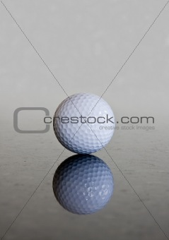 Single golf ball reflection
