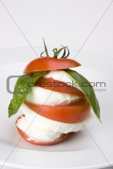 caprese: tomatoe, basil and mozarella cheese